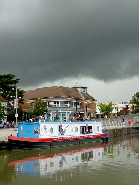 Ice cream boat in Bancroft Basin, Stratford-upon-Avon
