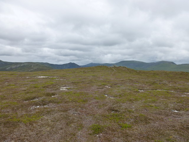 Summit plateau of Ben Gulabin