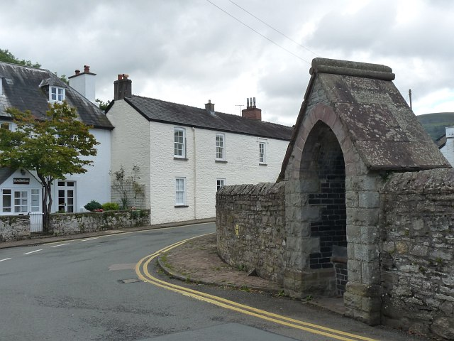 Entering Llangattock from the west
