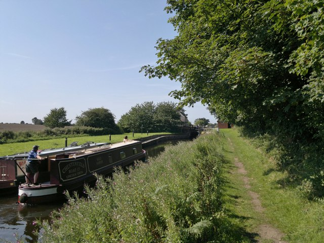 Approaching Forest Lock, Chesterfield Canal
