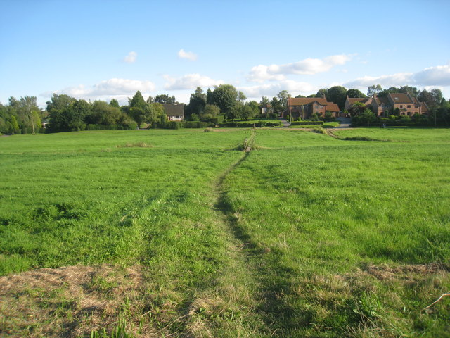 Path across Stillingfleet Green