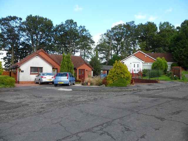 Houses on Broomhill Crescent, Bonhill