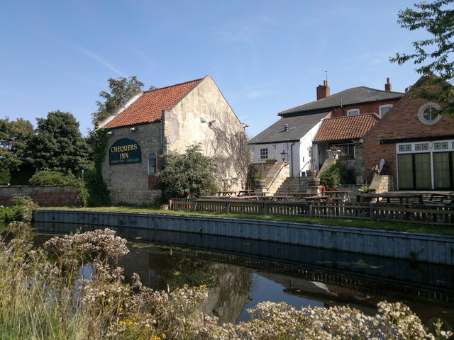 Chequers Inn, Ranby from Chesterfield Canal tow path