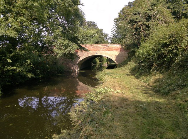 Bridge 47 over Chesterfield Canal at Osberton Hall