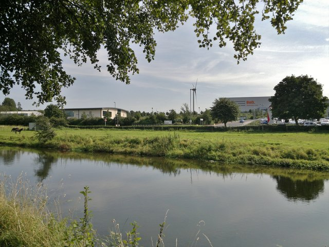 B & Q Distribution Centre from the Cuckoo Way at Worksop