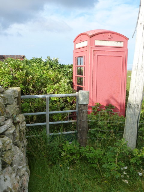 Baleshare: a red telephone box