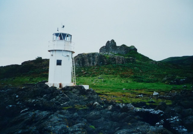 Navigation Light and Ardtornish Castle