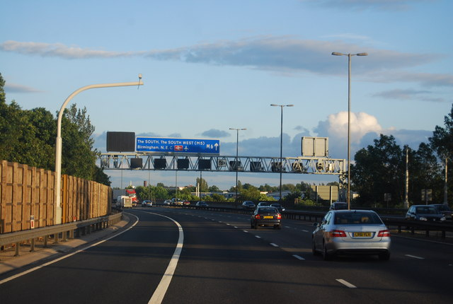 M6 heading south, approaching Junction 9
