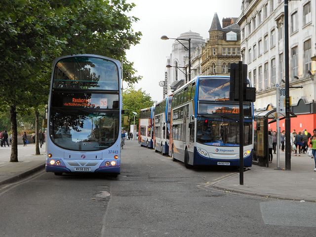 Buses at Piccadilly