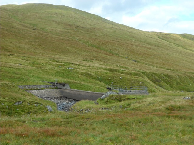 Dam on the Lawers Burn