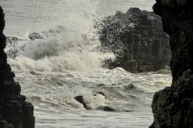 Waves at Downhill (2)