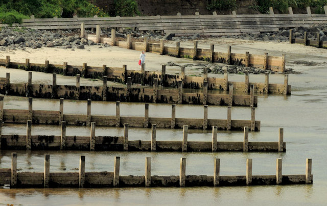 Sea defences, Portballintrae (1)