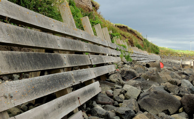 Sea defences, Portballintrae (2)