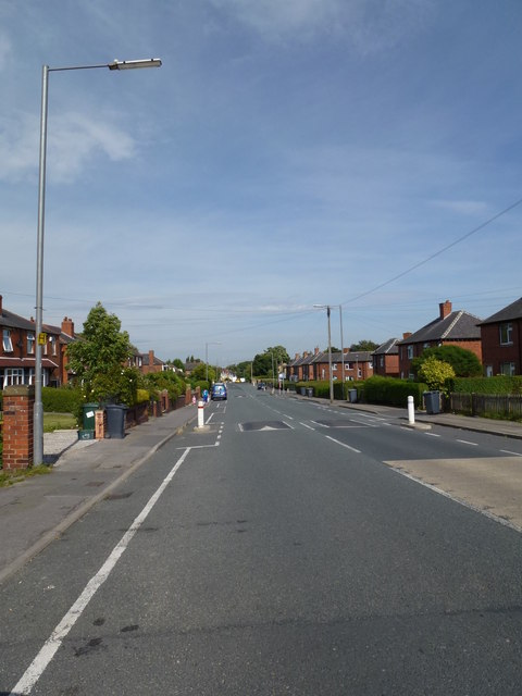 Edge Top Road, Thornhill
