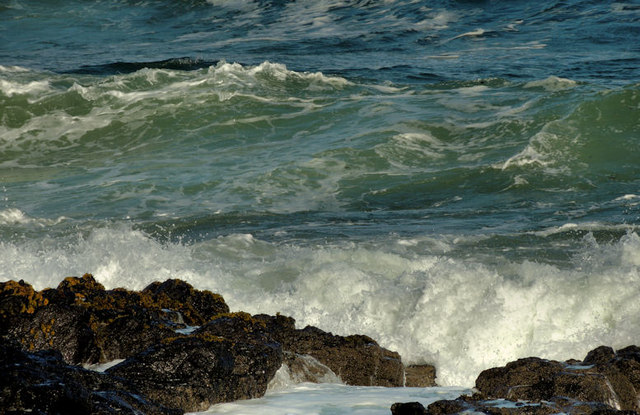 Atlantic waves, Portstewart (2)