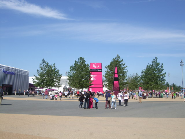 Path through Olympic Park