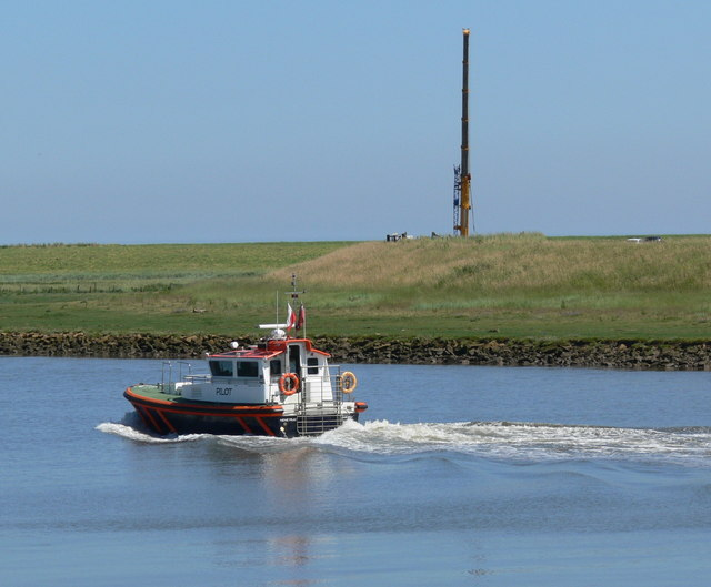 Pilot boat on Tycho Wing's Channel
