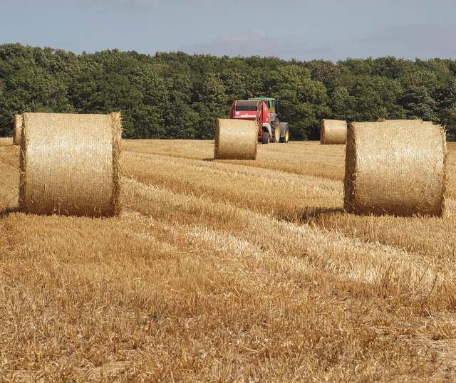 Baling Straw on Saxby Wolds