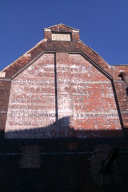 Derelict warehouse wall, Merchants' Road, Gloucester