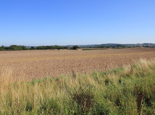 Arable fields north of A422