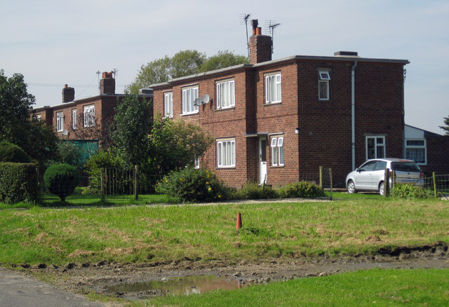 Houses on Ingham Road, Stow Pasture