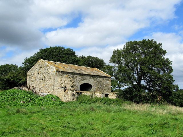 Stone Barn near Howe Wood