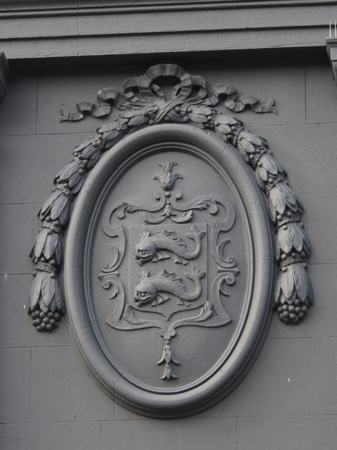 Decorative plaque on the Côte Brasserie, Church Street, BN1