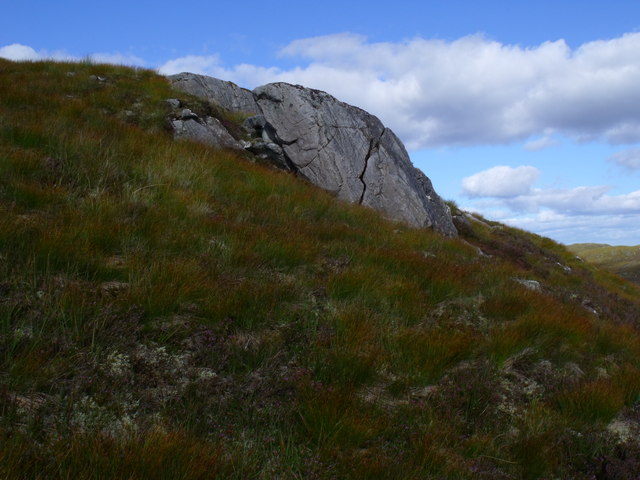 Split rock south-east of Creag a' Chorre Dhuibhe above Glen Cannich, Inverness