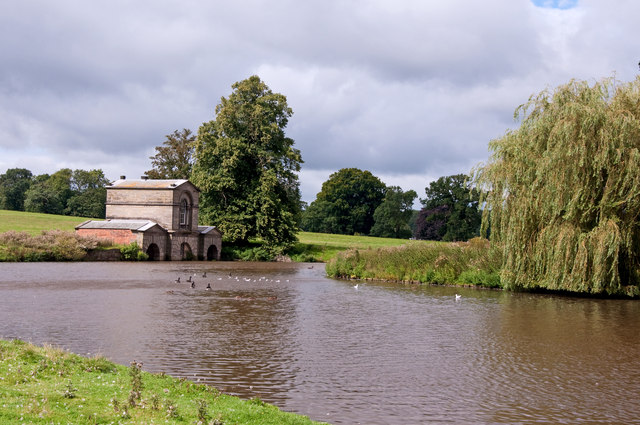 The lake and fishing pavilion - Kedleston Hall