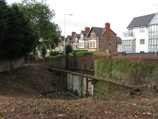 Former railway bridge, Roath