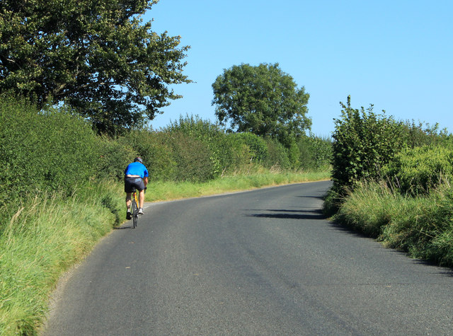 2012 : Cyclist on the road to Hullavington