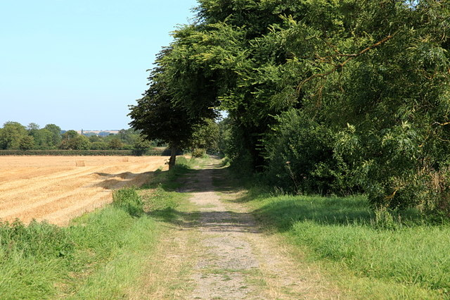 Public bridleway leading to Little Eversden