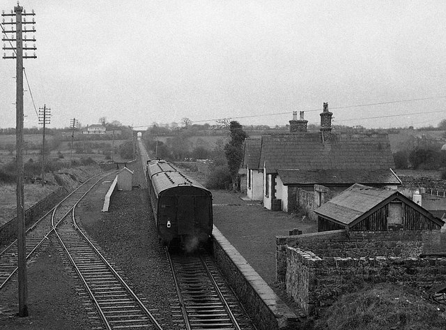 Clarecastle station
