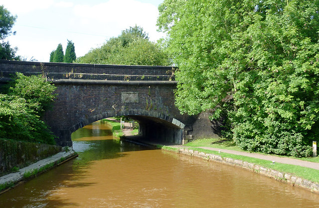 Aqueduct and canal near Hardings Wood, Staffordshire