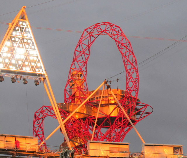 Arcelormittal Orbit tower and stadium floodlights