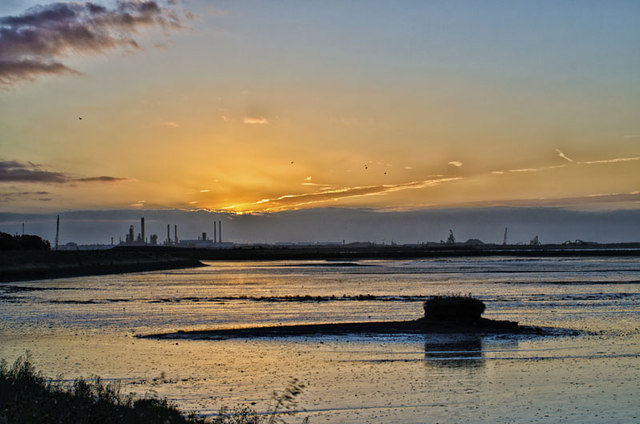 Dawn at the new RSPB mud flats, Stanford le Hope