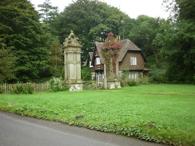 Former Gatehouse at Underley Park
