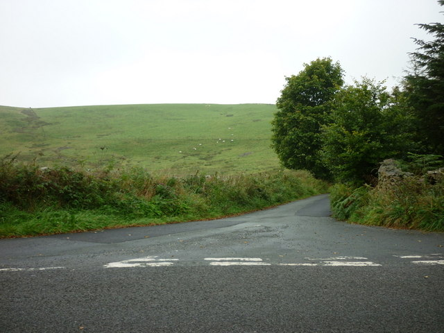 The road to Low Fell House