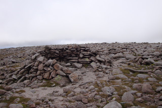 Summit shelter Ben Macdui