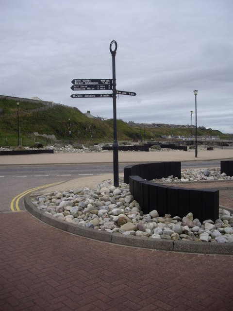 Tourist signpost to Banff/Macduff