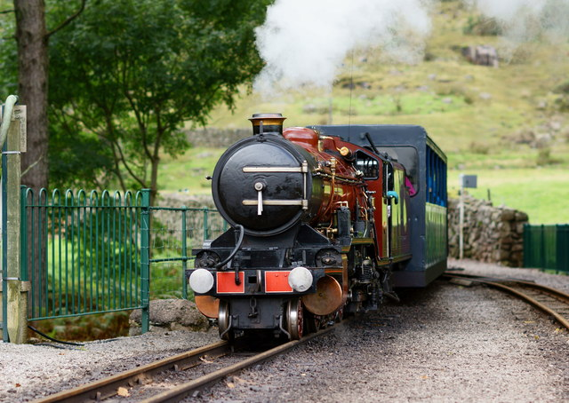 'River Mite' Arriving at Dalegarth Station