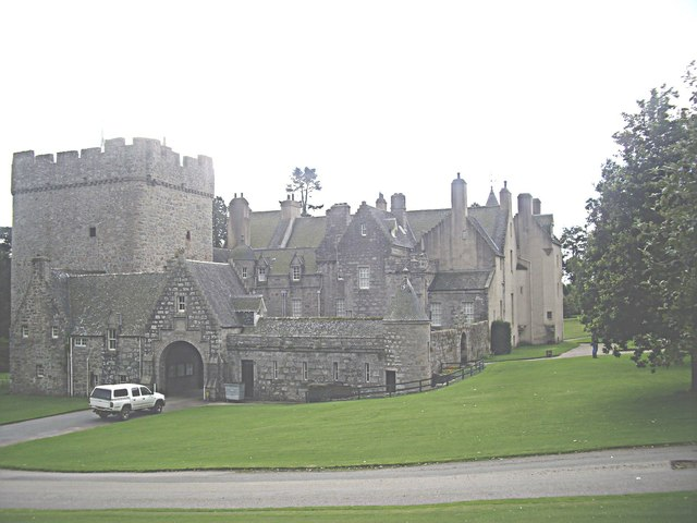 Entrance arch to Drum Castle