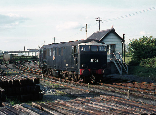 Diesel locomotive passing Ennis north signal cabin