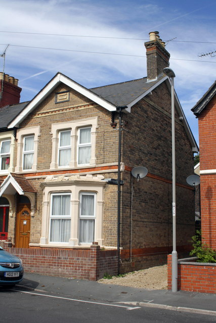 #15 Monmouth Road