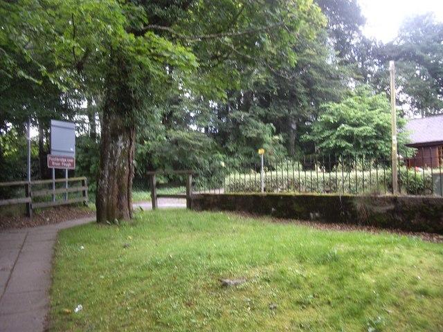 Path from metal footbridge over River Feugh
