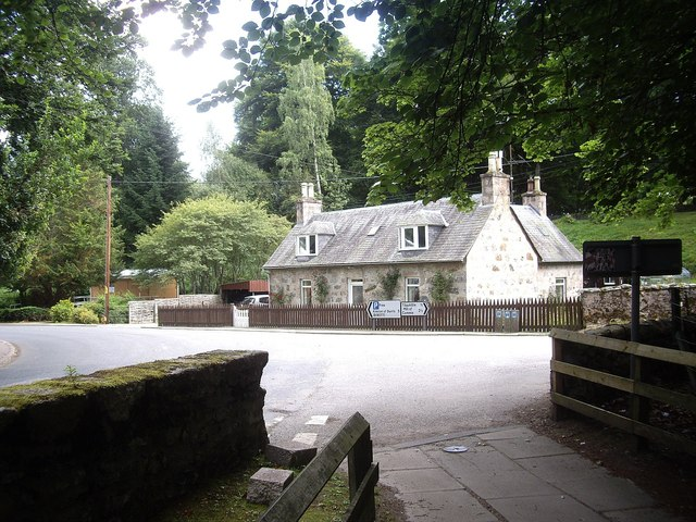 Cottage at the east end of the Bridge of Feugh