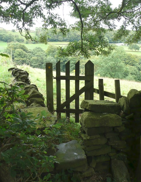 Stile and gate on Hebden Royd FP32