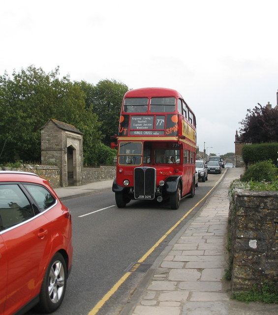 Sunday traffic, Corfe Castle
