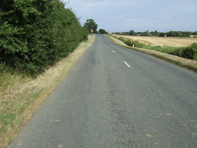 Road towards Swineshead