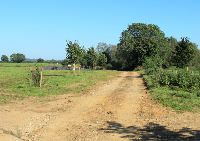 2012 : Farm track east of Lower Seagry
